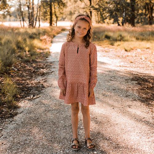 Your-Wishes-Dress-Tunie-Broderie-Terra-Sfeerfoto2-Popcorn-Kids