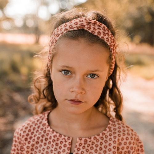 Your-Wishes-Haarband-Broderie-terra-Sfeerfoto2-Popcorn-Kids